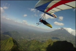 Five foreign athletes participate in Telomoyo Hang Gliding Championship