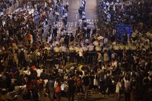 Aktivis kemerdekaan Hong Kong mengaku dipukuli media pro-China