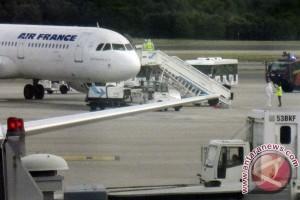Air France batalkan penerbangan karena aksi mogok kerja