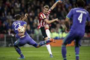 Libas NEC 3-0, PSV kembali ke puncak