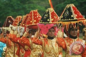 Budaya Sumbar tarik perhatian di Parade Frankfrut