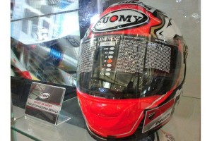 Replika helm Dovizioso bisa dibeli di IMOS