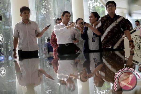 Menpan larang PNS rapat di hotel
