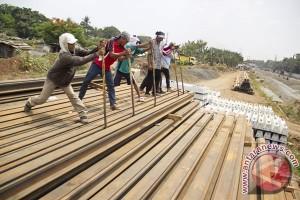 Jalur rel ganda Cikarang-Manggarai selesai 2017