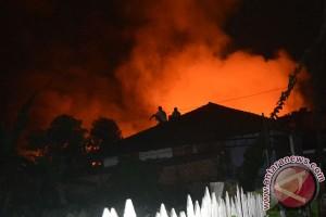 Ratusan rumah di Samarinda hangus terbakar