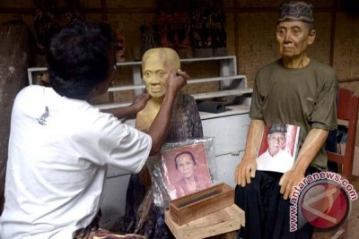 Patung Tau-Tau Tana Toraja