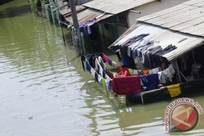 Genangan banjir Baleendah Bandung meninggi