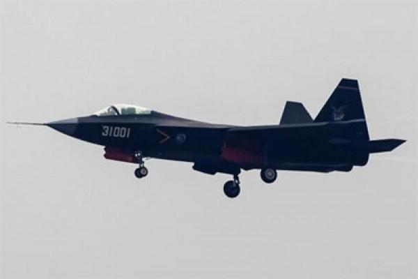 Ketika Tiongkok pamerkan ratusan persenjataan modern terbaru