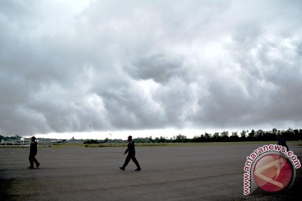 Bandara iskandar pangkalan bun, kalimantan tengah, rabu (31/12). cuaca