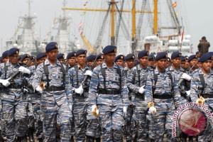 Prajurit TNI donor darah sambut Hari Armada