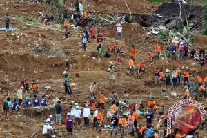 Dua rumah di Banjarnegara tertimpa longsor