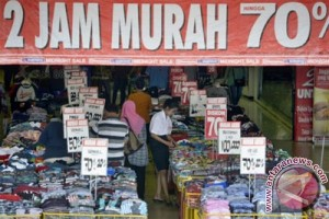 Pusat perbelanjaan di Cirebon ramai pengunjung jelang Lebaran