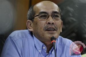 Faisal Basri: kenaikan harga ampuh hentikan rokok