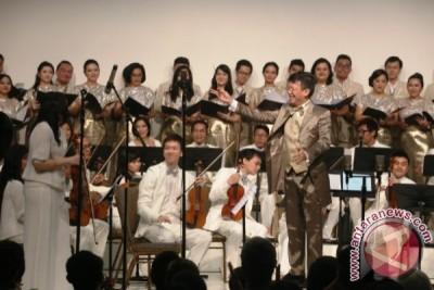 Yang istimewa di konser 50 tahun Avip Priatna