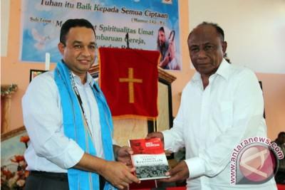 Menteri Kunjungi Rumah Ibadah