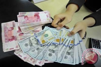 Rupiah bergerak ke posisi Rp13.068 per dolar AS
