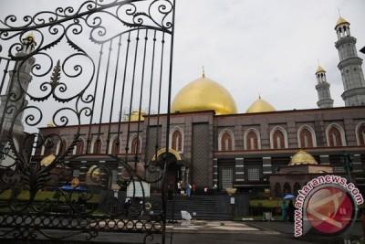 Wisata Religi Masjid Kubah Emas