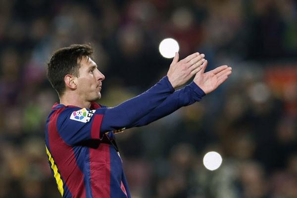 Permalink to Messi Unggah Video Anaknya Bernyanyi Catalunya, Pique Pun Berkometar