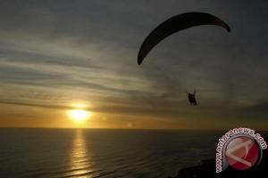 Prakejuaraan Dunia Paralayang didahului mengheningkan cipta kemerdekaan Indonesia
