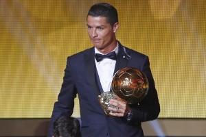 Ronaldo terpilih sebagai pemain terbaik FIFA