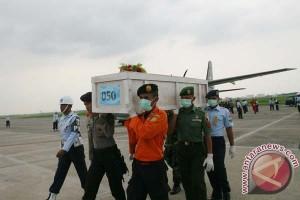 Jenazah korban AirAsia diterbangkan menuju Alor