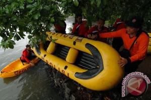 Hujan deras rendam Kompleks Dosen IKIP Bekasi