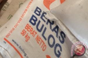 Bulog Cirebon gelar operasi pasar kebutuhan pokok