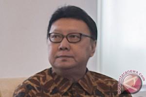 Pemerintah akan naikkan gaji kepala daerah 2016