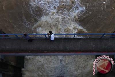 Pintu air Depok siaga 3, Jakarta waspada banjir