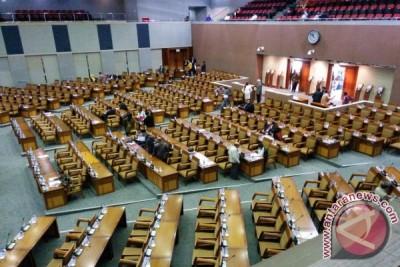 Legislator: calon kepala daerah wajib sertakan rekomendasi