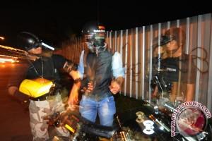 Polisi damaikan dua desa bertikai gara-gara begal