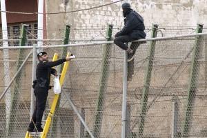 Imigran serbu pagar perbatasan Spanyol-Maroko