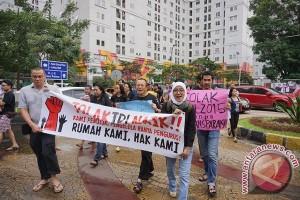 Protes kenaikan IPL, warga Kalibata City kelilingi 18 tower