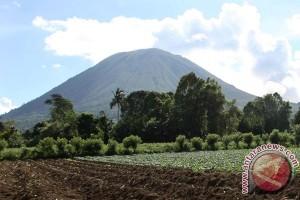 PVMBG turunkan status Gunung Lokon jadi waspada