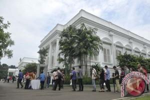 Pengunjung Istana Bogor diimbau bersepatu jangan pakai sandal