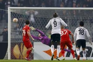 UEFA akhirnya terima teknologi garis gawang
