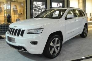 Jeep Grand Cherokee terbaru bermesin 3.0L V6 Pentastar