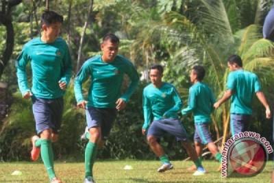 Aji Santoso istirahatkan Evan saat timnas lawan Brunei