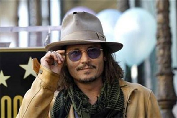 "Johnny Depp Ikut Main Di Harry Potter ""Fantastic Beasts"""