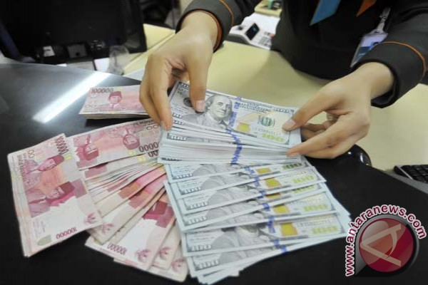 Kurs rupiah pada posisi Rp13.300 per dolar AS