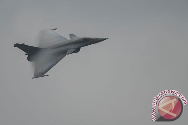 Prancis mulai bom ISIS di Suriah