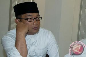 Ridwan Kamil dan warga Saritem berdialog di Masjid Darut Taubah