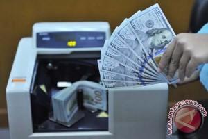 Dolar AS melemah terhadap yen di tengah penurunan minyak