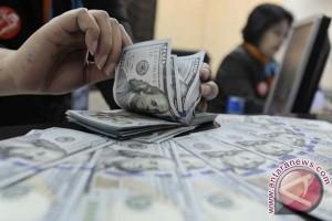 Ketidakpastian kebijakan Fed dorong dolar AS melemah