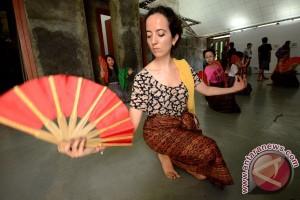 Pelajar dari 20 negara ramaikan festival budaya 2015