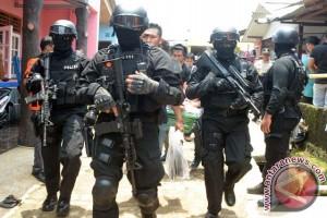 Densus amankan dua terduga teroris di Surabaya