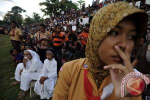 Ribuan peziarah Katolik ikut prosesi laskar laut