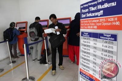 KAI berlakukan sistem check-in di Stasiun Pasar Senen