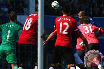Everton permalukan MU 3-0