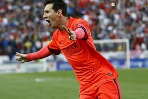 Messi dan Suarez bersaing cetak gol
